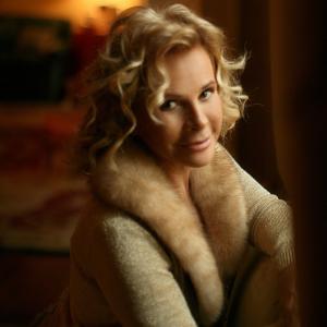 ANNA-MOLINARI-Portrait-2009
