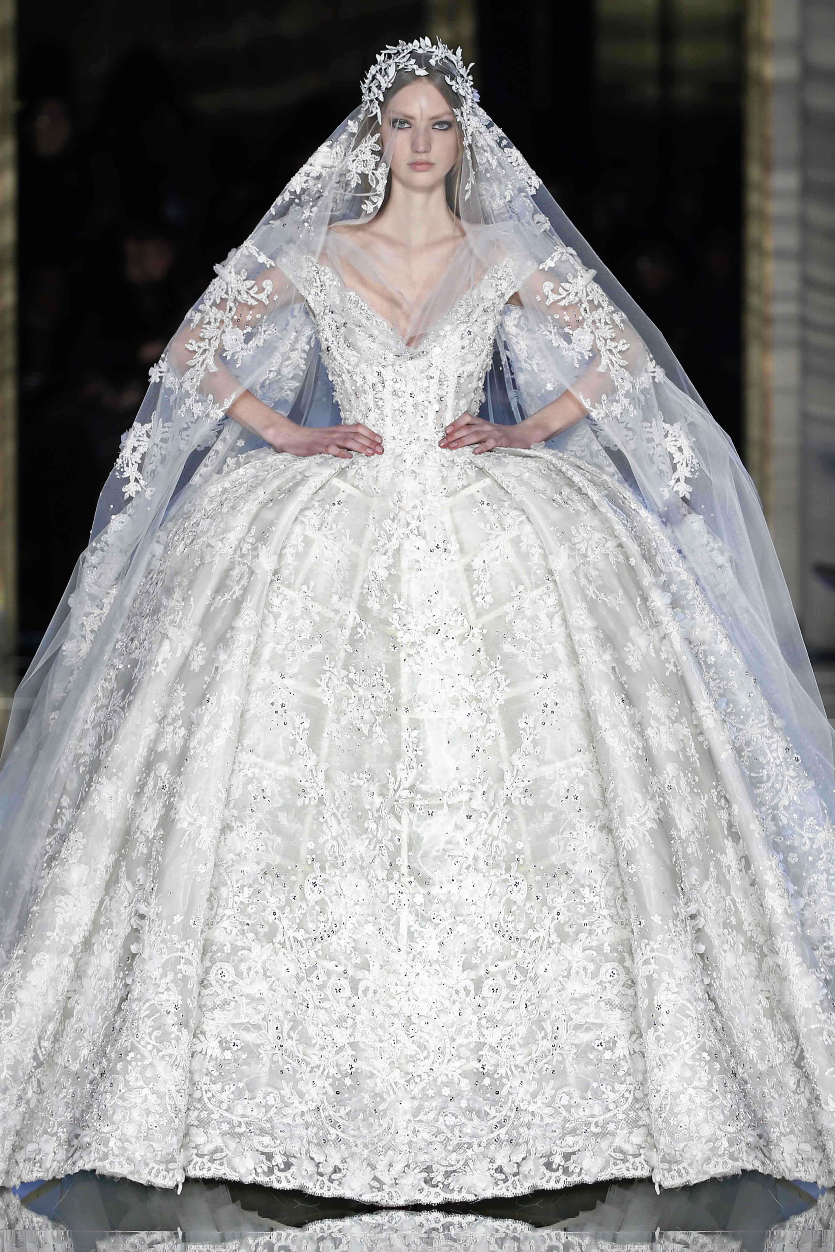 Couture bride 8 wedding dresses glamouria for Haute wedding