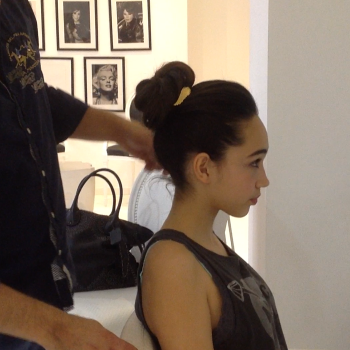 How to Get The Perfect Topknot