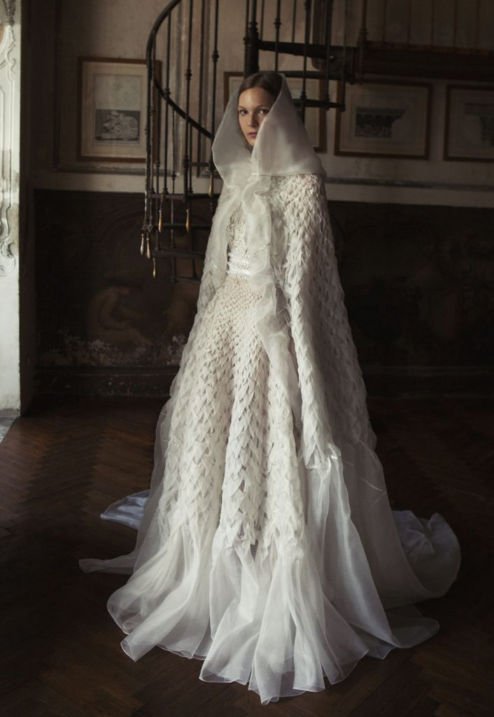 Capes-Alberta Ferretti Bridal SS17 Wedding dress bridal trends