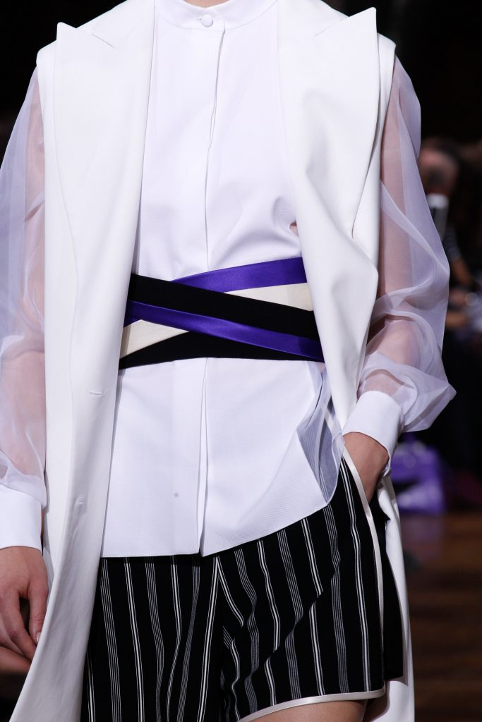 Lanvin SS17 Model wearing wide belt on the runway